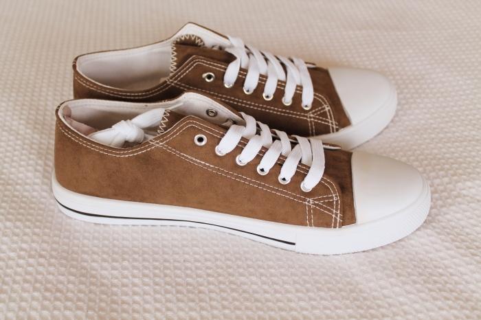sneaker-shoes-side
